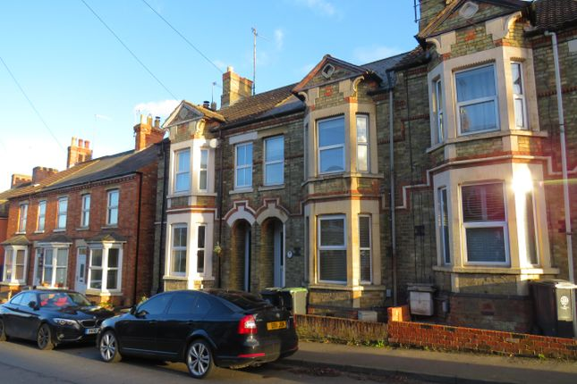 2 bed property to rent in Wellington Road, Raunds, Wellingborough NN9