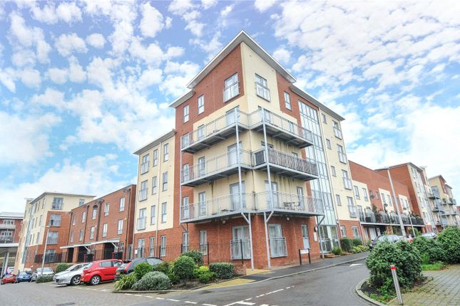 2 bed flat for sale in Bosworth House, Battle Square, Reading, Berkshire