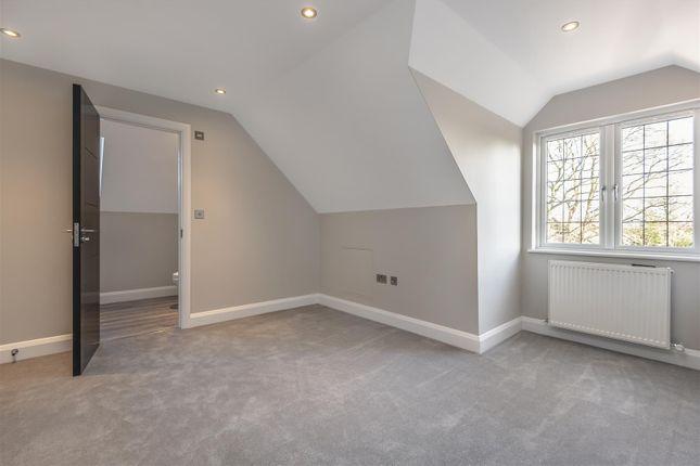 565421 (13) of Oak End Way, Woodham, Addlestone KT15