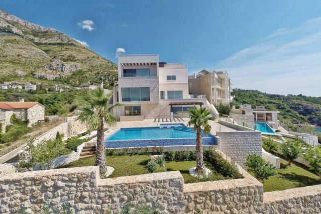Villa for sale in Spectacular Villa On The Cliff, With Spectacular Views, Reževići, Budva, Montenegro