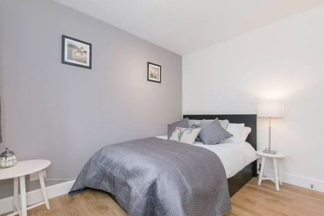 Thumbnail Flat to rent in Allanfield, Central, Edinburgh