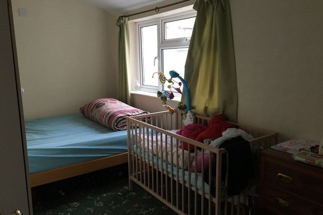 Thumbnail Flat to rent in Seymour Gardens, Ilford