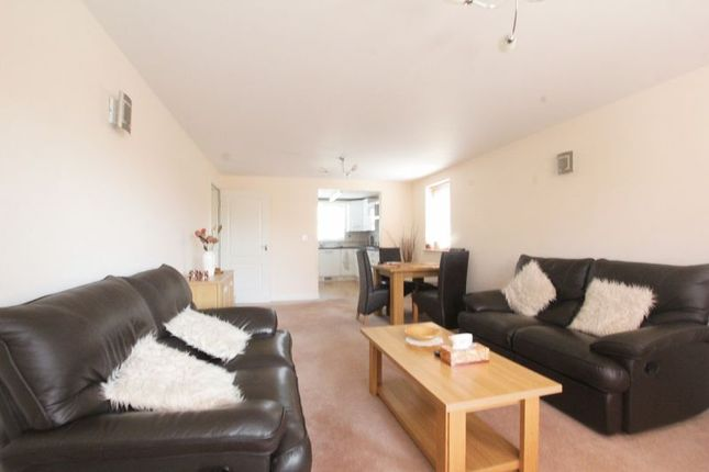 Thumbnail Flat to rent in Main Street, Willerby, Hull
