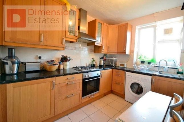 4 bed flat to rent in Lee Street, Haggerston, Dalston, Hackney