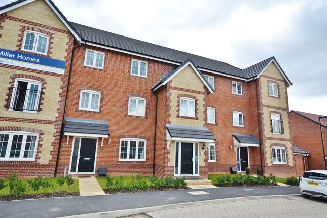 Thumbnail Flat for sale in Ramsons Crescent, Didcot