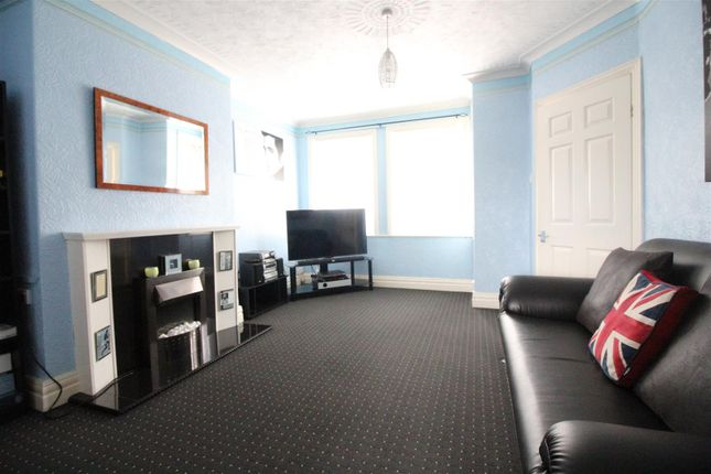 Living Room of Balmoral Avenue, Hull HU6