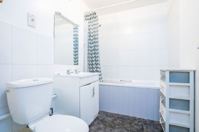 Bathroom of Cambridge Road, Worthing BN11