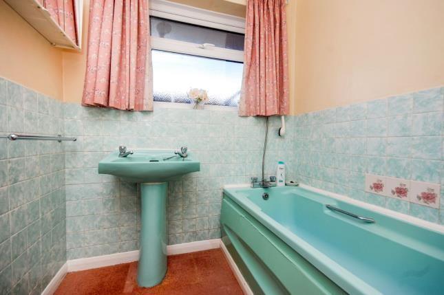 Bathroom of Caws Avenue, Seaview PO34