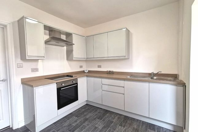 2 bed terraced house to rent in Garden Street, Castleford WF10
