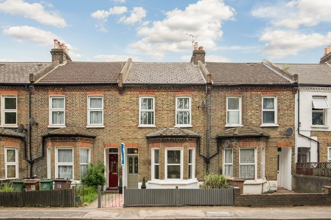 Thumbnail Terraced house for sale in London Road, Wallington
