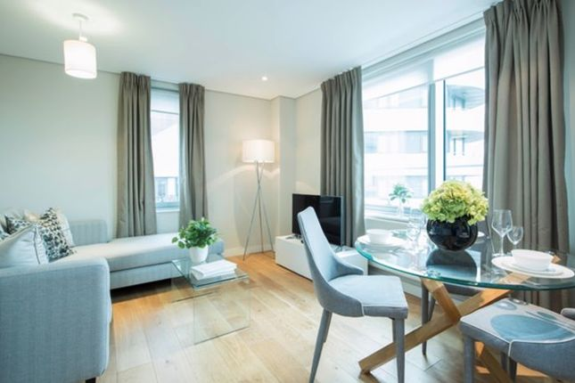 3 bed flat to rent in Merchant Square, East West Quay, Paddington W2
