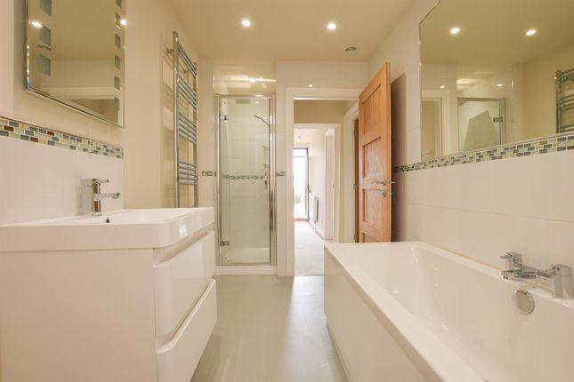 Bathroom of Plynlimmon Road, Hastings TN34