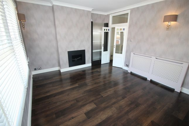 Thumbnail Flat for sale in Marlow Road, Anerley, London