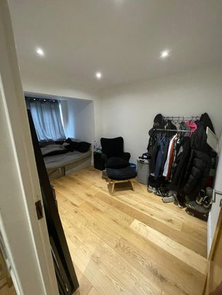 Room to rent in Cranbrook Drive, Luton LU3