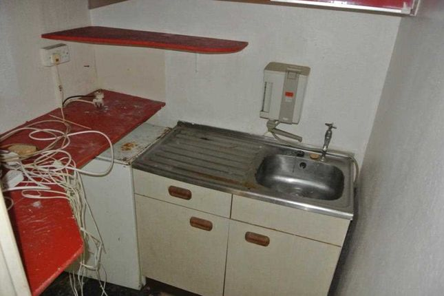Kitchenette of Victoria Road West, Thornton-Cleveleys FY5