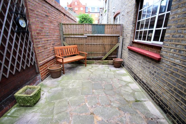 Thumbnail Terraced house to rent in Cyprus Street, Bethnal Green, London