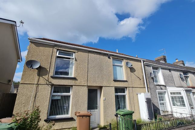 2 bed property to rent in High Street, Nelson, Treharris CF46