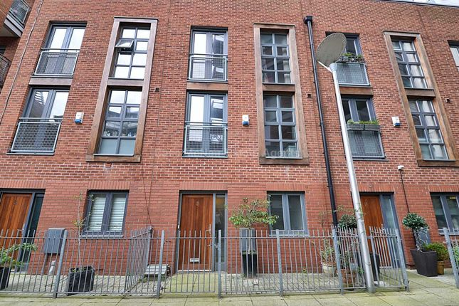 Thumbnail Town house to rent in River Street, Manchester