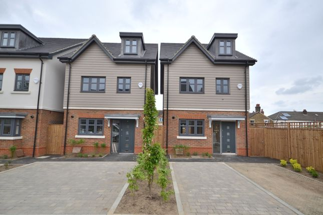 Thumbnail Detached house for sale in Elliott Court, North Road, Woking