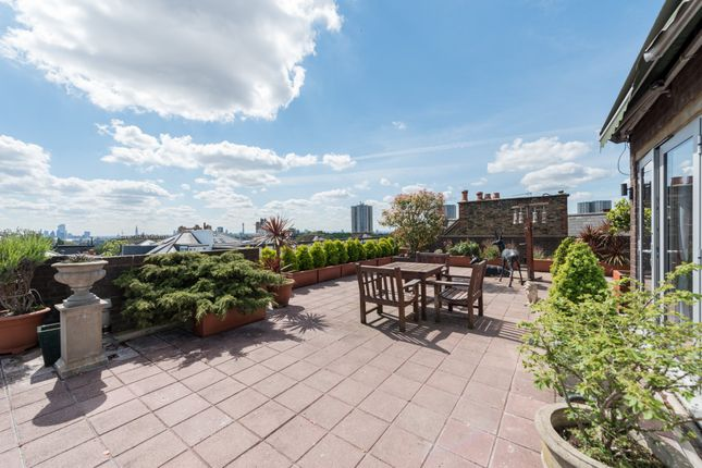 Thumbnail Flat to rent in Belsize Grove, London