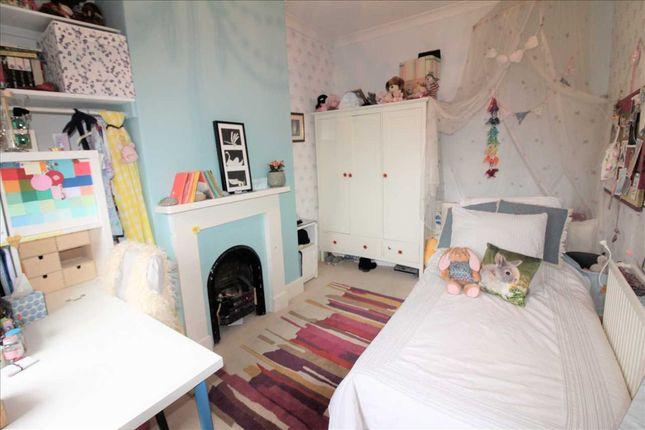 "Bedroom Two 13'7"" x 9'"