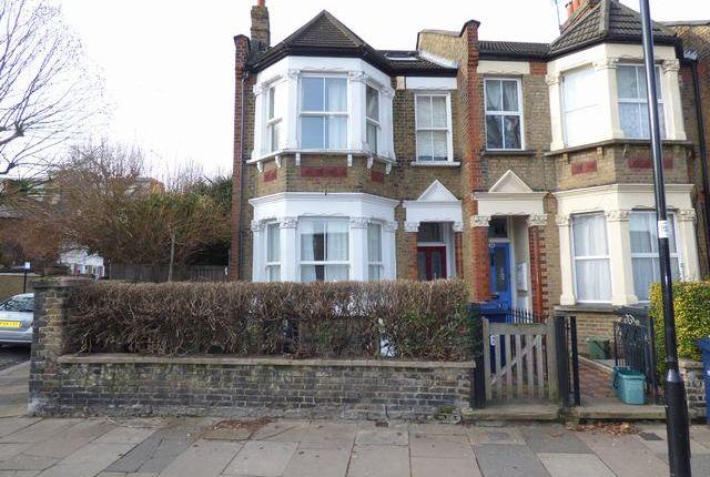 Thumbnail Flat to rent in Newton Avenue, Acton