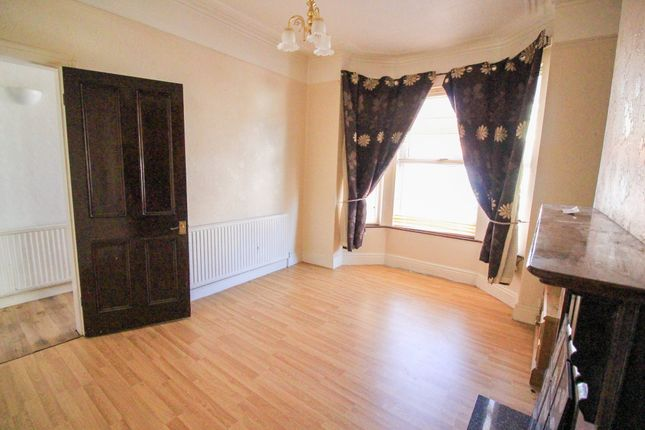 Lounge2 of Earlesmere Avenue, Balby, Doncaster DN4