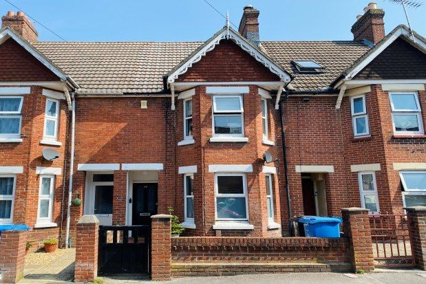 3 bed property to rent in Kingston Road, Poole BH15