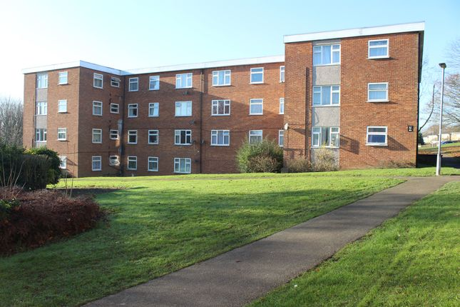 3 bed flat for sale in Swanstand, Letchworth Garden City SG6