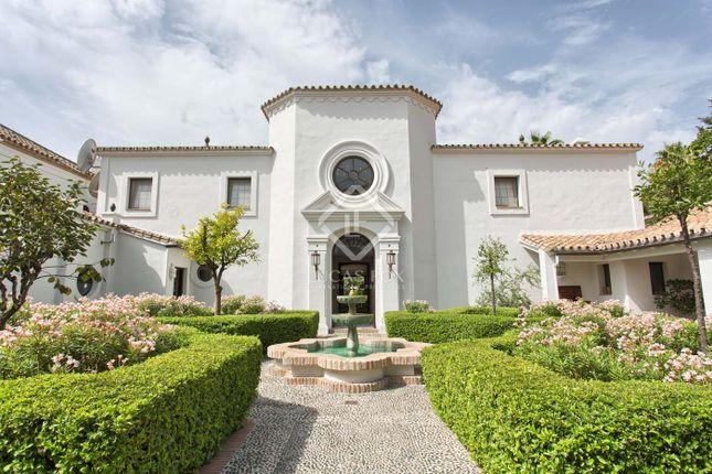 Villa for sale in 29670 San Pedro De Alcántara, Málaga, Spain