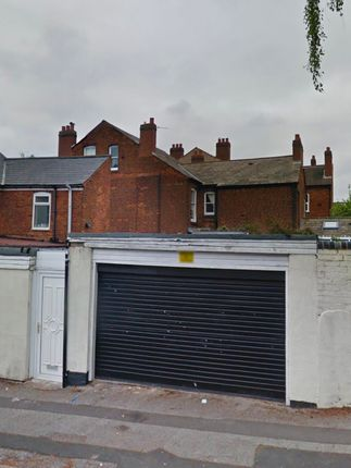 Thumbnail Parking/garage to let in Walhouse Road, Walsall