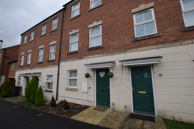 Thumbnail Terraced house to rent in Sockburn Close, Hamilton, Leicester