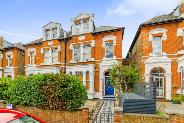 Thumbnail Flat for sale in Park Avenue, Bounds Green