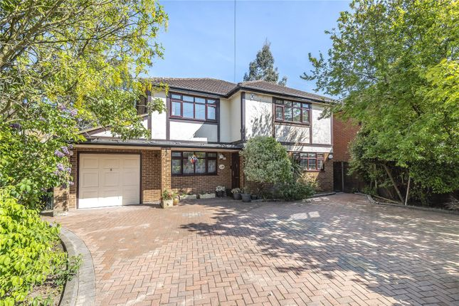 Thumbnail Detached house for sale in Parkway, North Hillingdon, Middlesex