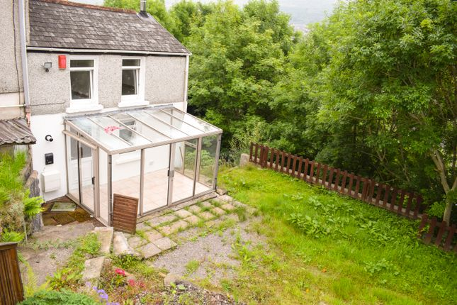 Thumbnail Cottage to rent in Wind Street, Blaenllechau