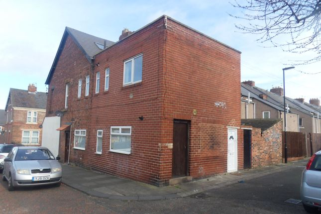 Thumbnail Maisonette for sale in Stratford Road, Heaton, Newcastle Upon Tyne