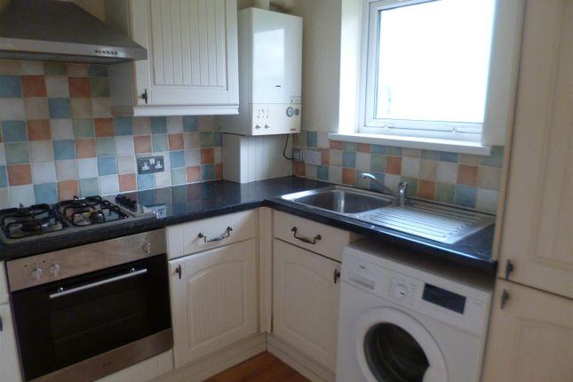 Studio to rent in Llys Newydd, Llwynhendy, Llanelli SA14
