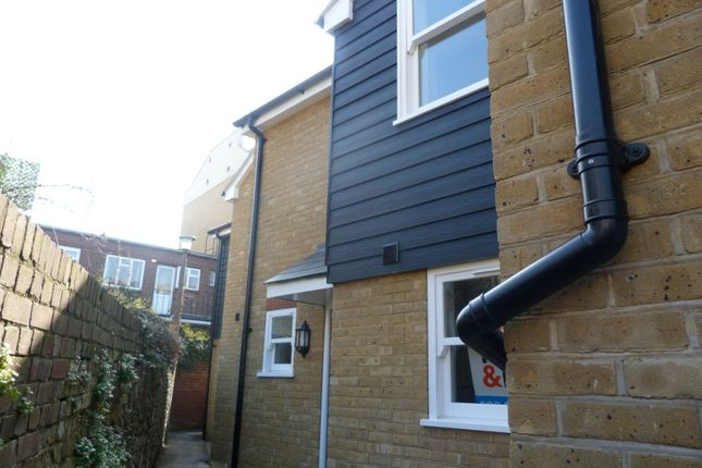 Thumbnail Cottage for sale in Sion Passage, Ramsgate
