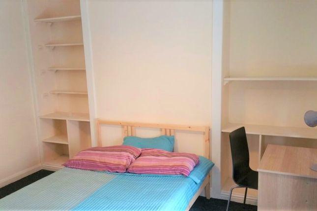 Thumbnail Shared accommodation to rent in Bridge Street, Barnsley