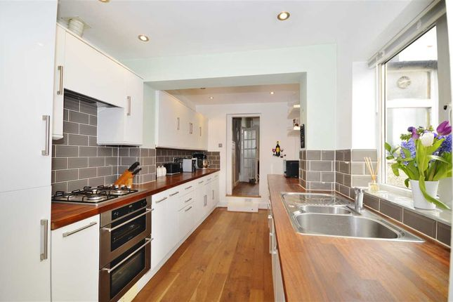 Thumbnail Terraced house for sale in Brunswick Crescent, New Southgate