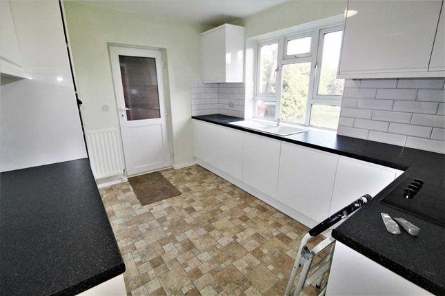 Thumbnail Detached house to rent in Elmshott Lane, Burnham, Slough