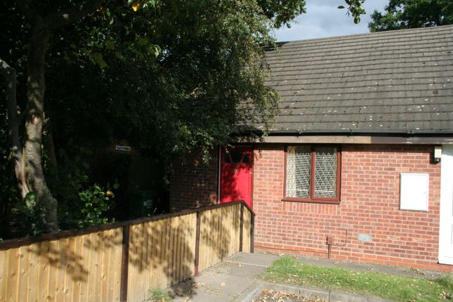 Thumbnail Terraced house to rent in Hawkesbury Close, Redditch