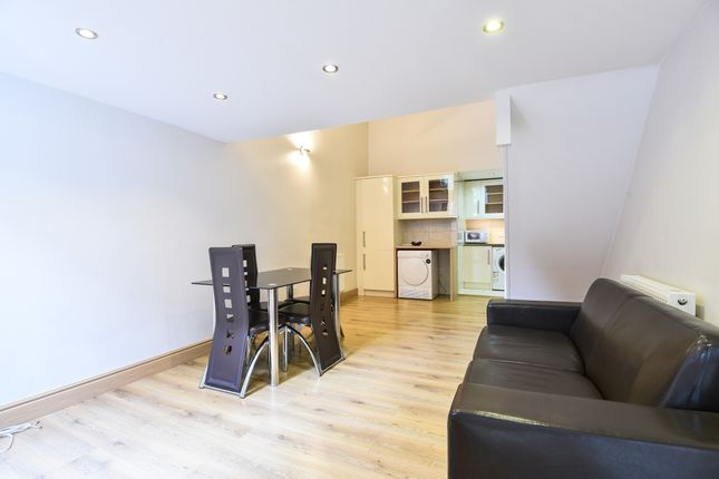 Living Room of Trebovir Road, London SW5