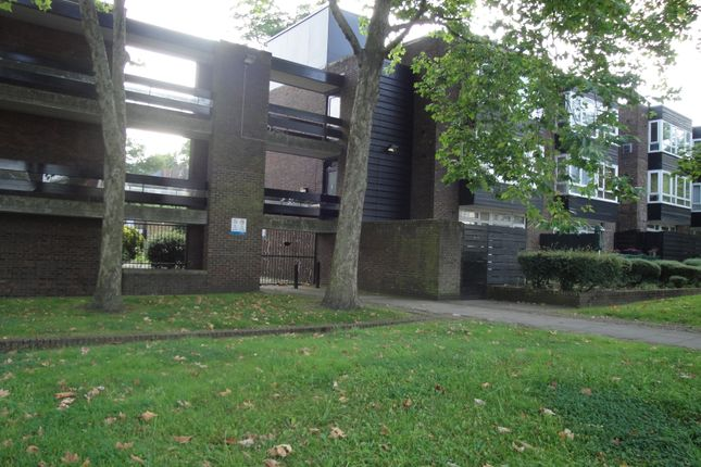 Thumbnail Flat to rent in Grove Lane, Camberwell