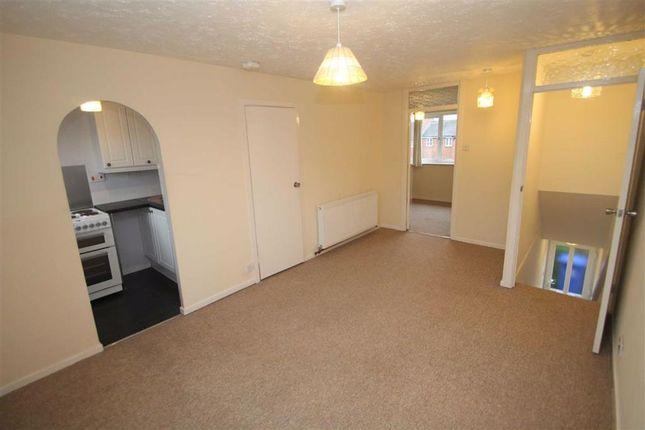 Thumbnail Flat to rent in Brookside Close, Old Stratford, Milton Keynes, Bucks