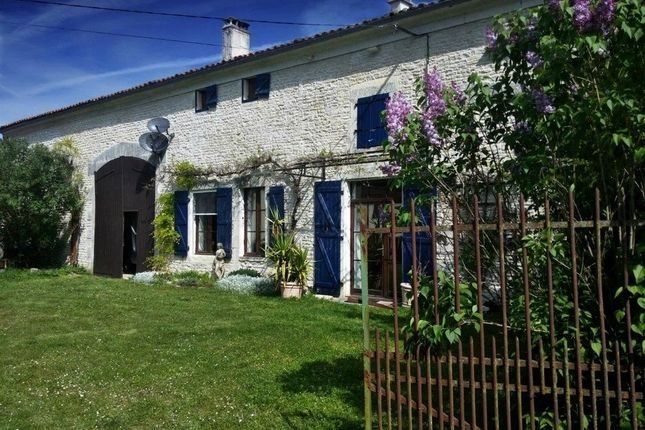 3 bed property for sale in Chef-Boutonne, Poitou-Charentes, 79110, France