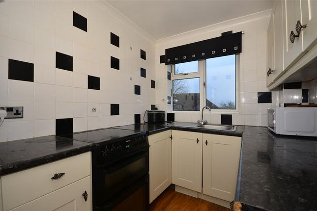 1 bed flat for sale in Thicket Road, Sutton, Surrey