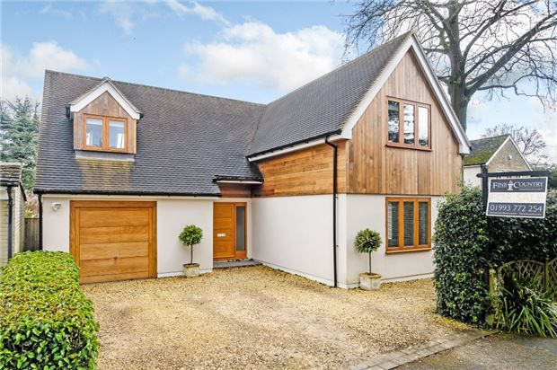 Thumbnail Detached house for sale in Cadogan Park, Woodstock, Oxfordshire