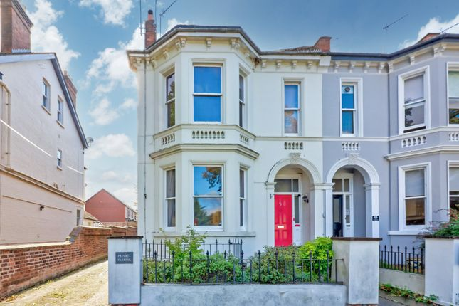 3 bed flat for sale in Avenue Road, Leamington Spa CV31