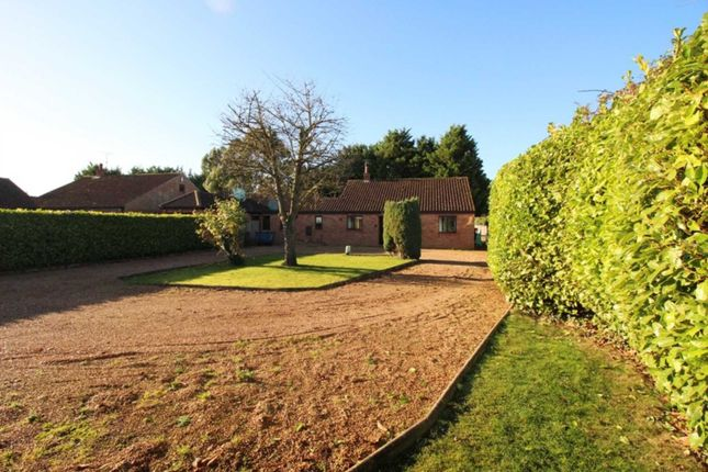 Thumbnail Link-detached house for sale in Tallon End, Foulden, Thetford
